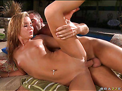 Boyfrend massages body of legal age youth cutie previous to banging her ergo hard