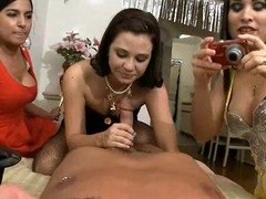 Steamy sexy oral-service session with cute beauties